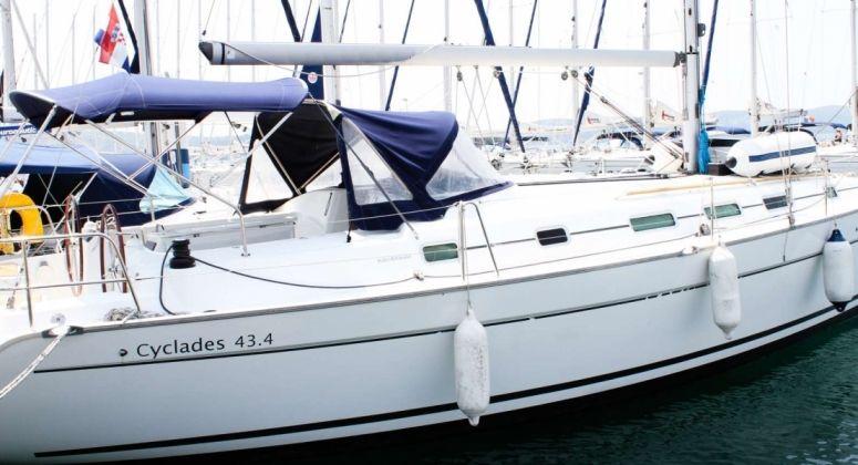 Beneteau Cyclades 43, Генуя