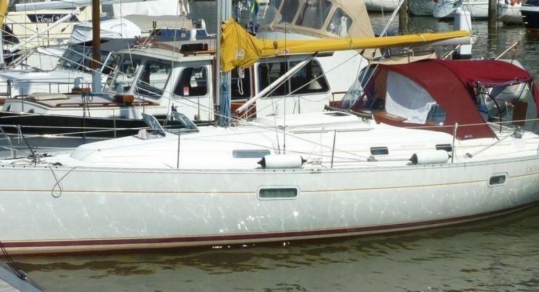 OCEANIS 361, Пальма
